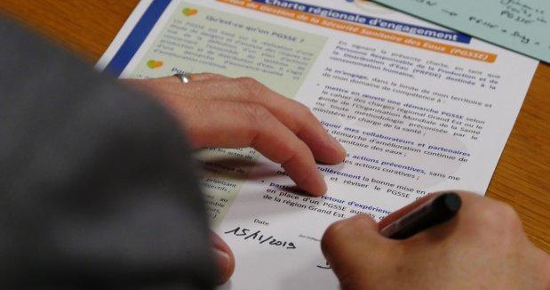 """Signature des premières chartes d'engagement pour mettre en oeuvre les """"Plan de Gestion et de Sécurité Sanitaire des Eaux (PGSSE)"""""""